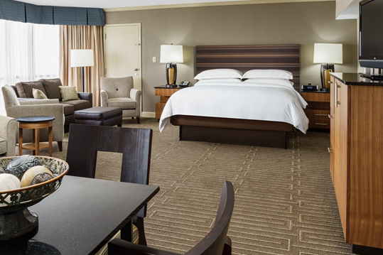 hilton_charlotte_univ_place_HH_guestsuite001_16_675x359_FitToBoxSmallDimension_Center