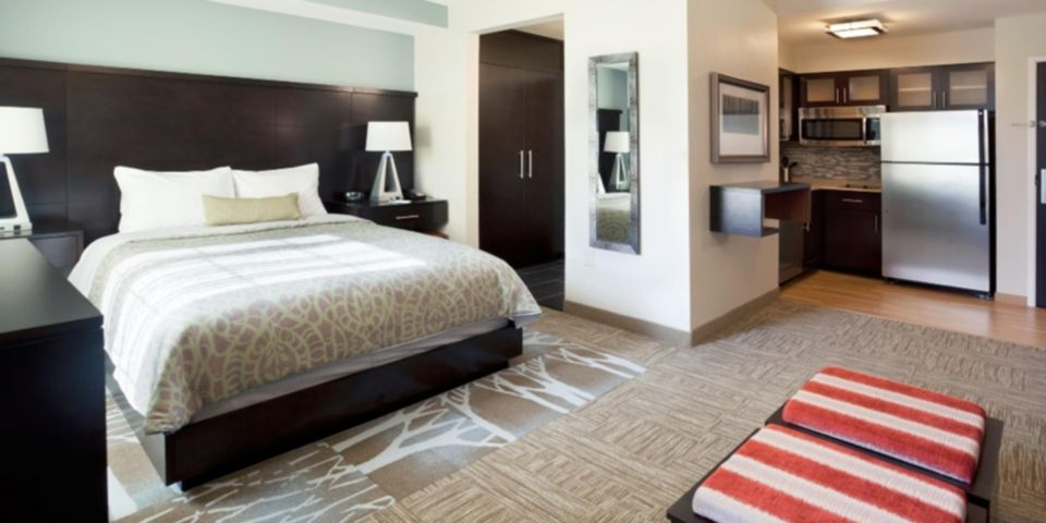 staybridge-suites-dearborn-3955242079-2×1